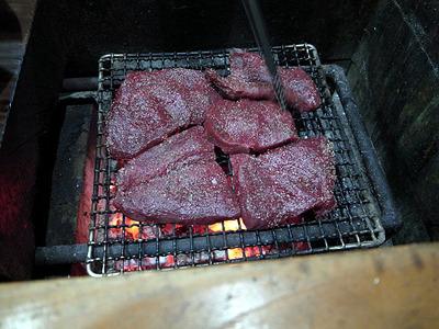 鹿肉の網焼き