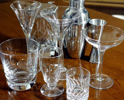 グラスやカクテル用具など