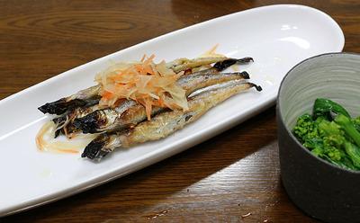 シシャモの南蛮漬けと菜の花の芥子醤油