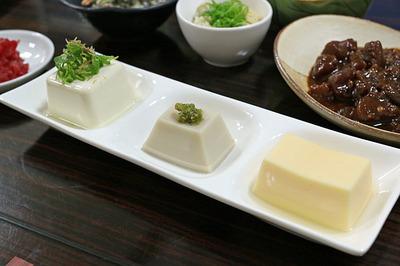 新ネタの3種の豆腐の盛り合わせ