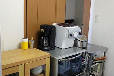 炊飯器のあった場所に「PHILIPS ヌードルメーカー」を設置