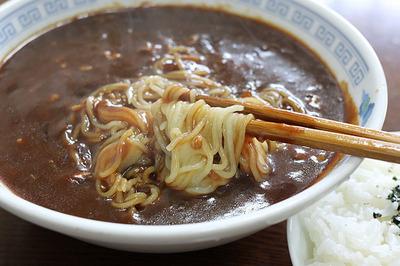 炸醤麺に使った細麺