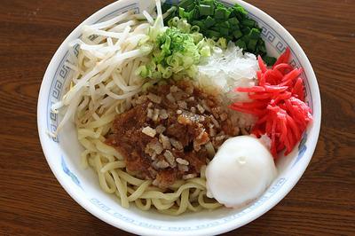 ヌードルメーカーで作った麺で「台湾風まぜ麺」