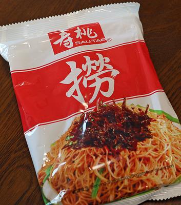 寿桃の「撈麺」のパッケージ