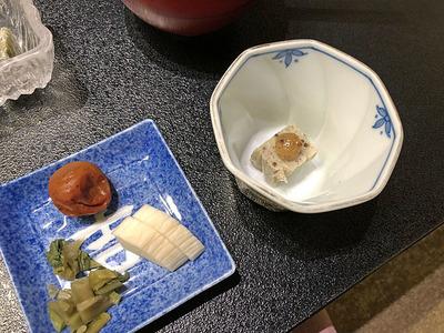 漬け物と荏胡麻豆腐