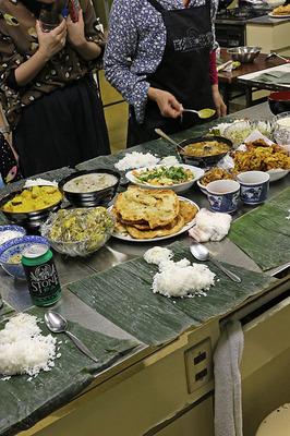 グルコバ63の食事風景