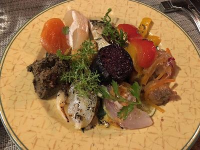 タベルナロッサーナの前菜の盛り合わせ