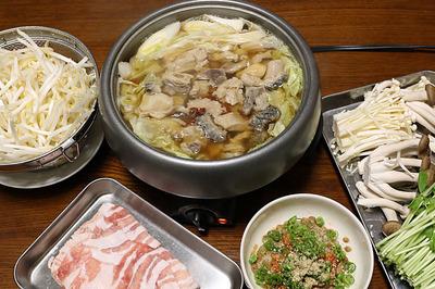 ホルモン鍋(モツ鍋)