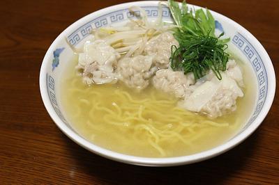 自分で作った雲呑を入れた「ワンタン麺」