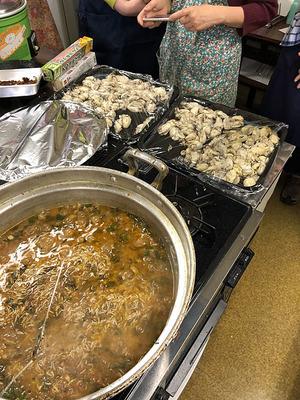 牡蠣のビリヤニを作成中