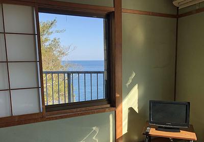 部屋から見えた海