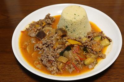 ラム肉のトマト煮込み クスクス添え