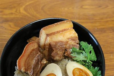 昼ご飯に食べた中華風角煮丼